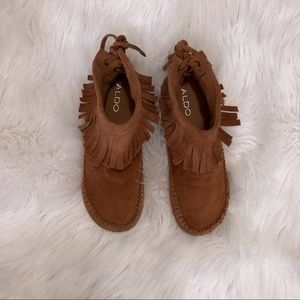 Tan suede mocasons